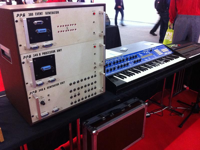 25_synthesizermag03