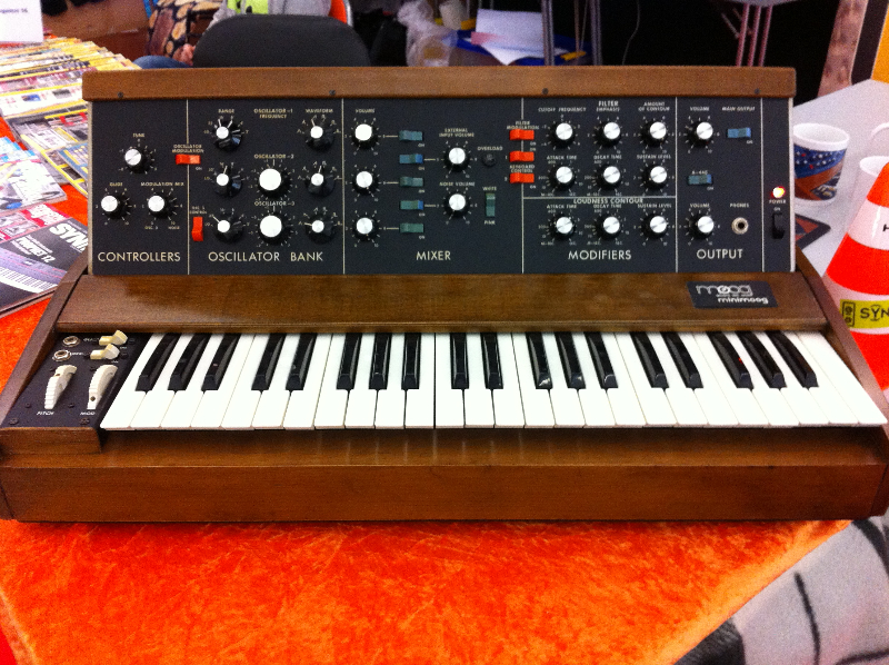 27_synthesizermag05