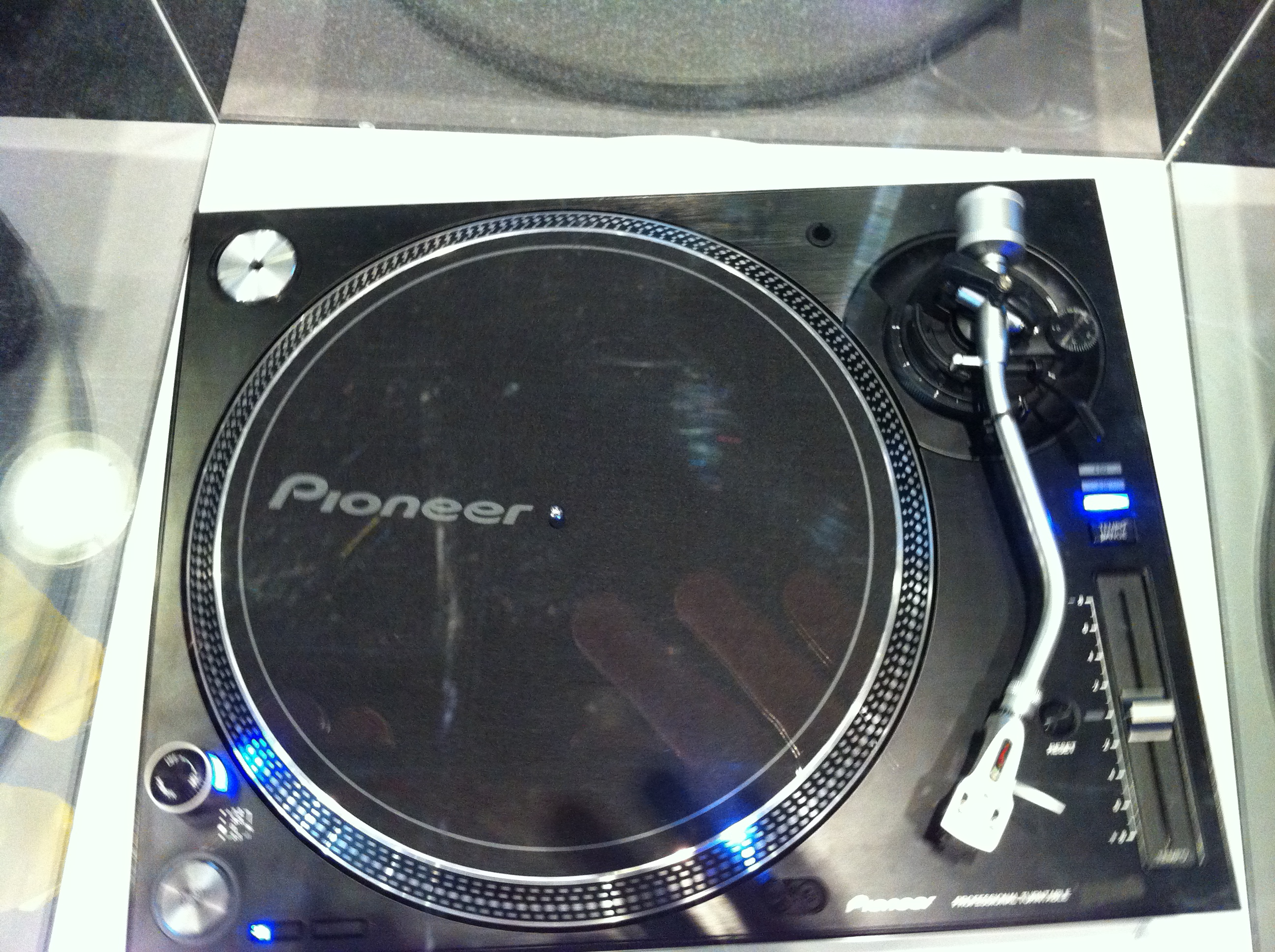34_PioneerTurntable2
